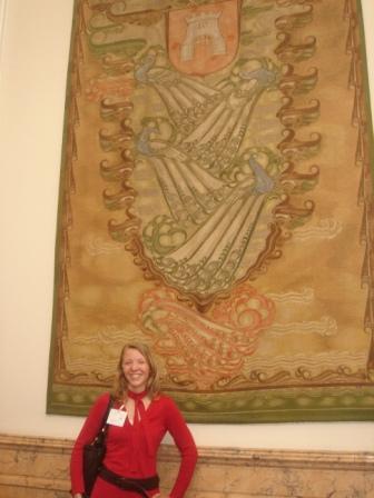 Wapen van Alkmaar en ik in Statenzaal op het Provinciehuis te Haarlem